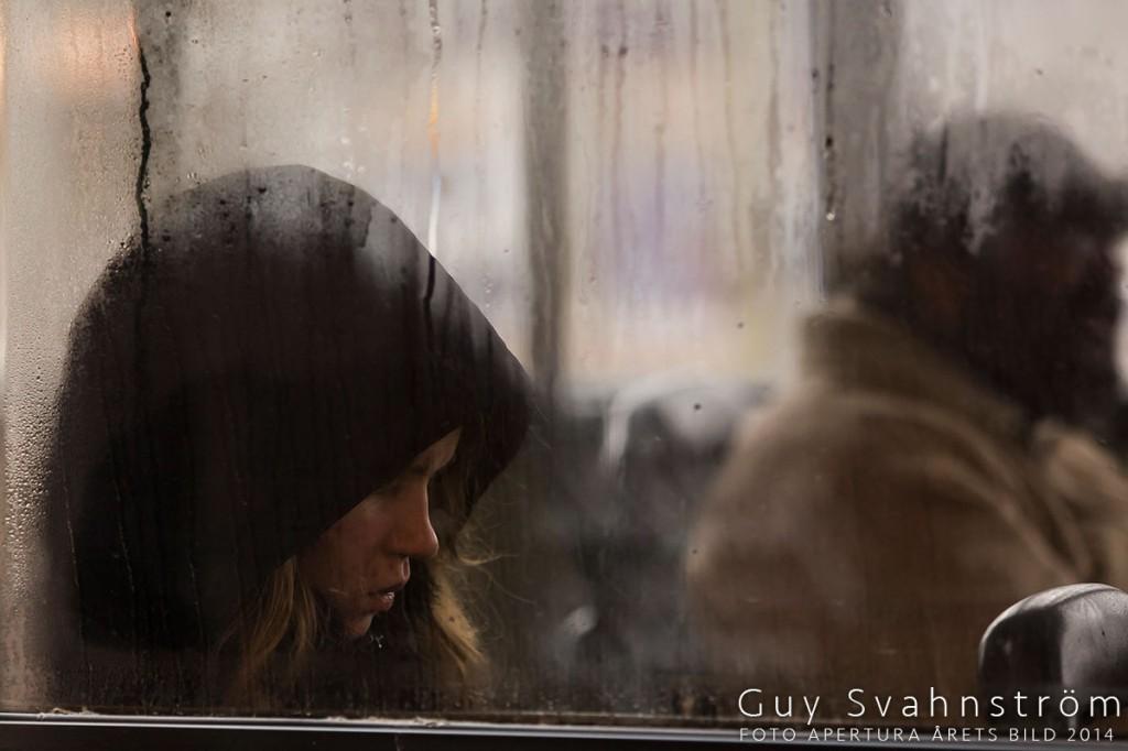 FA_AB14_01_Flickan_i_bussen-Guy_Svahnstöm